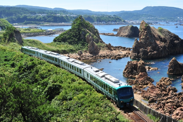 The pioneer Joyful Train: Resort Shirakami