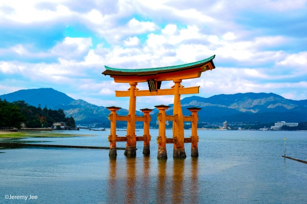 The perfect 1-Day Miyajima itinerary: Culture & nature rolled into one