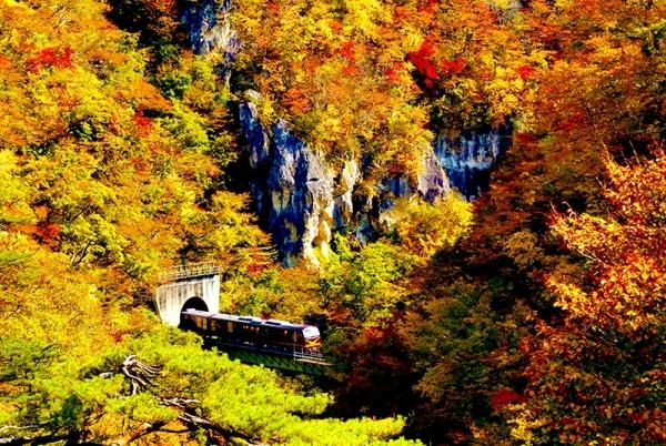 Một mùa thu trọn vẹn quanh suối nước nóng Naruko Onsen