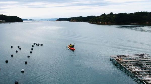 Beautiful panoramic kayak experience in Mie's Ago Bay