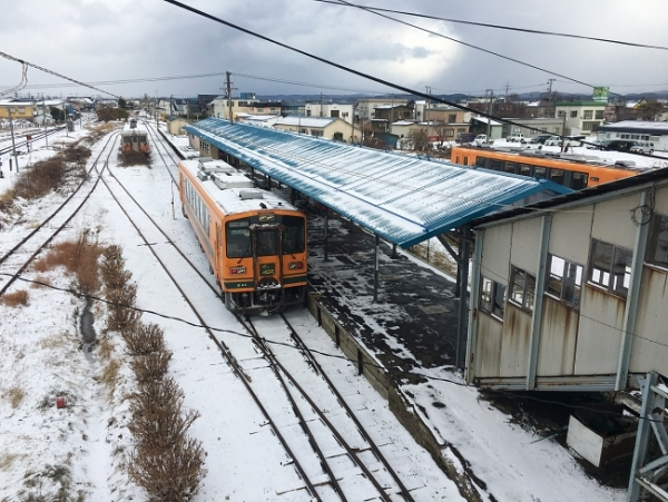 Of stoves, literary giants, and rustic buildings: Riding the Tsugaru Railway Line