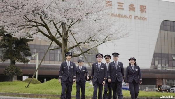 Tsubame-Sanjo 4: Hoa anh đào nở rộ mùa xuân và cảnh đẹp 4 mùa