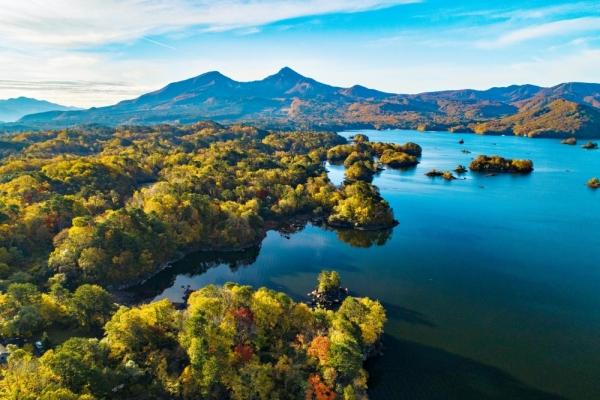 Urabandai's abundant nature:...